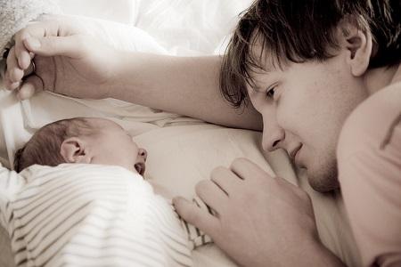 баща, татко, бебе, връзка с бебето
