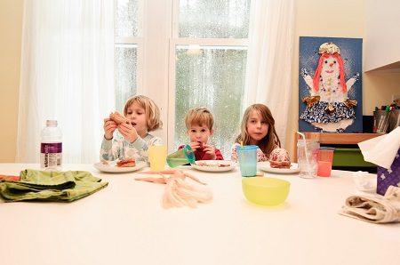 дете, храна, яде, зеленчуци, хранене