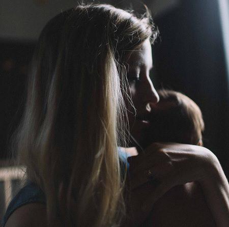 майка, бебе, депресия, грижи, възстановяване, психика, обвинения
